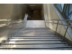 A-585樓梯止滑條(黑色)