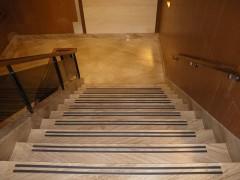 A-208樓梯止滑條(灰色)
