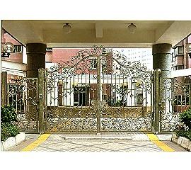 鍛造中庭大門